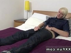 Gay twinks UK twink Phoenix lays on the badroom table and uses